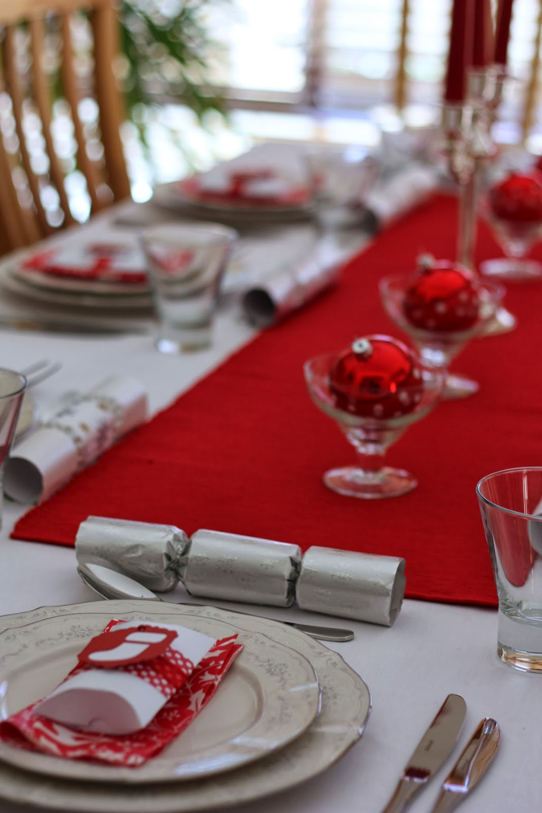 Setting A Christmas Table Ideas Part - 32: Christmas Place Settings Christmas Place Card Ideas - A Spoonful Of Sugar