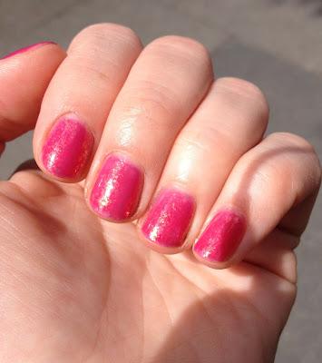 Deborah Lippmann, Deborah Lippmann nail polish, Deborah Lippmann Sweet Dreams nail polish, nail, nails, nail polish, polish, lacquer, nail lacquer, mani, manicure, mani of the week, manicure of the week, Deborah Lippmann manicure, Deborah Lippmann mani