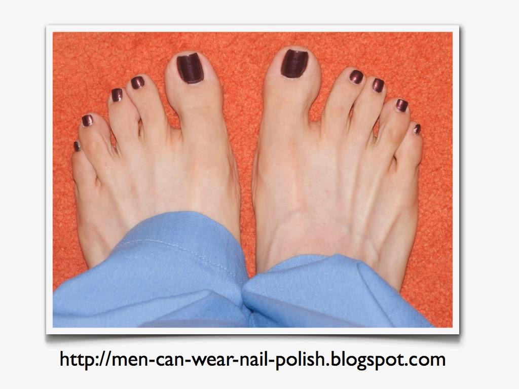 Men can wear nail polish: October 2013