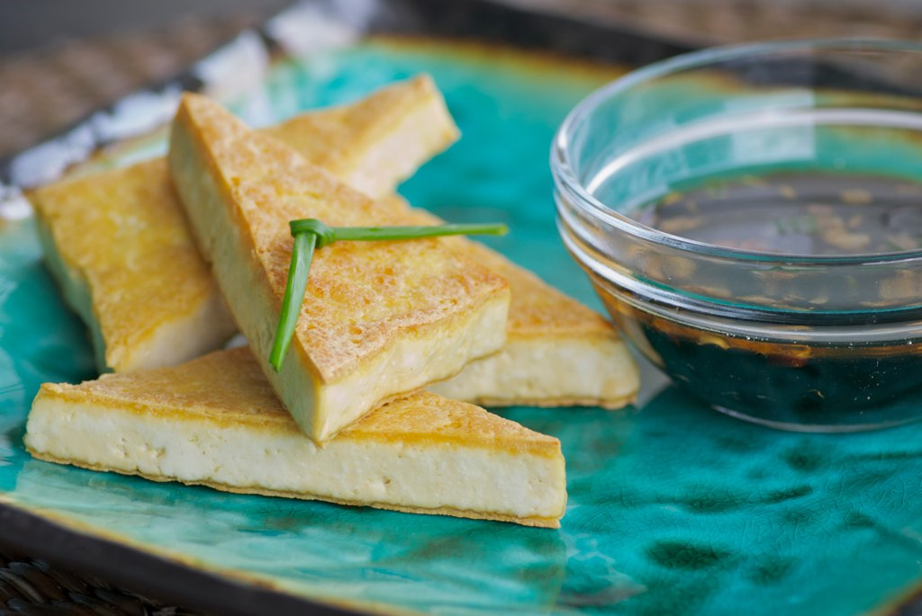 dipping sauce panfried tofu with asian caramel sauce crispy tofu ...
