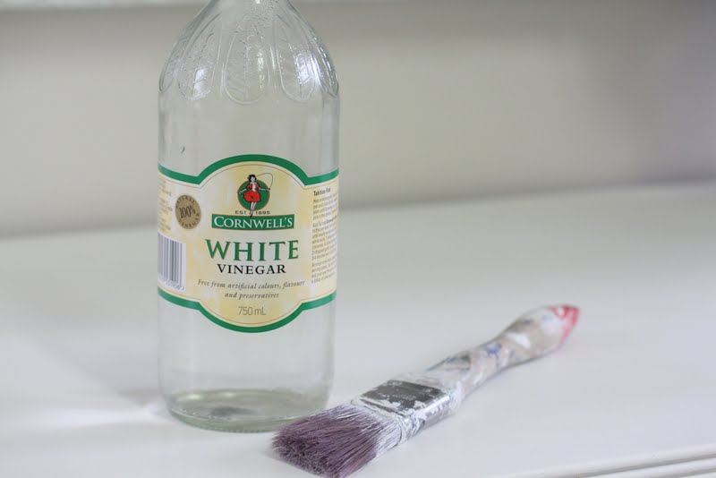 Lilyfield life how to clean your paint brush with vinegar for Nettoyage carrelage vinaigre blanc