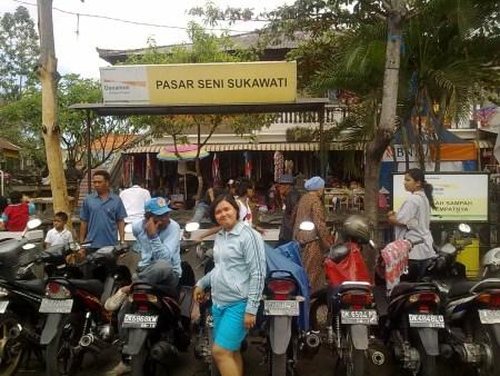 Pasar Seni Sukowati : Pusat Oleh - Oleh Khas Bali