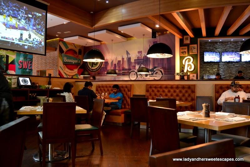 an Irish Pub-themed American restaurant at The Dubai Mall