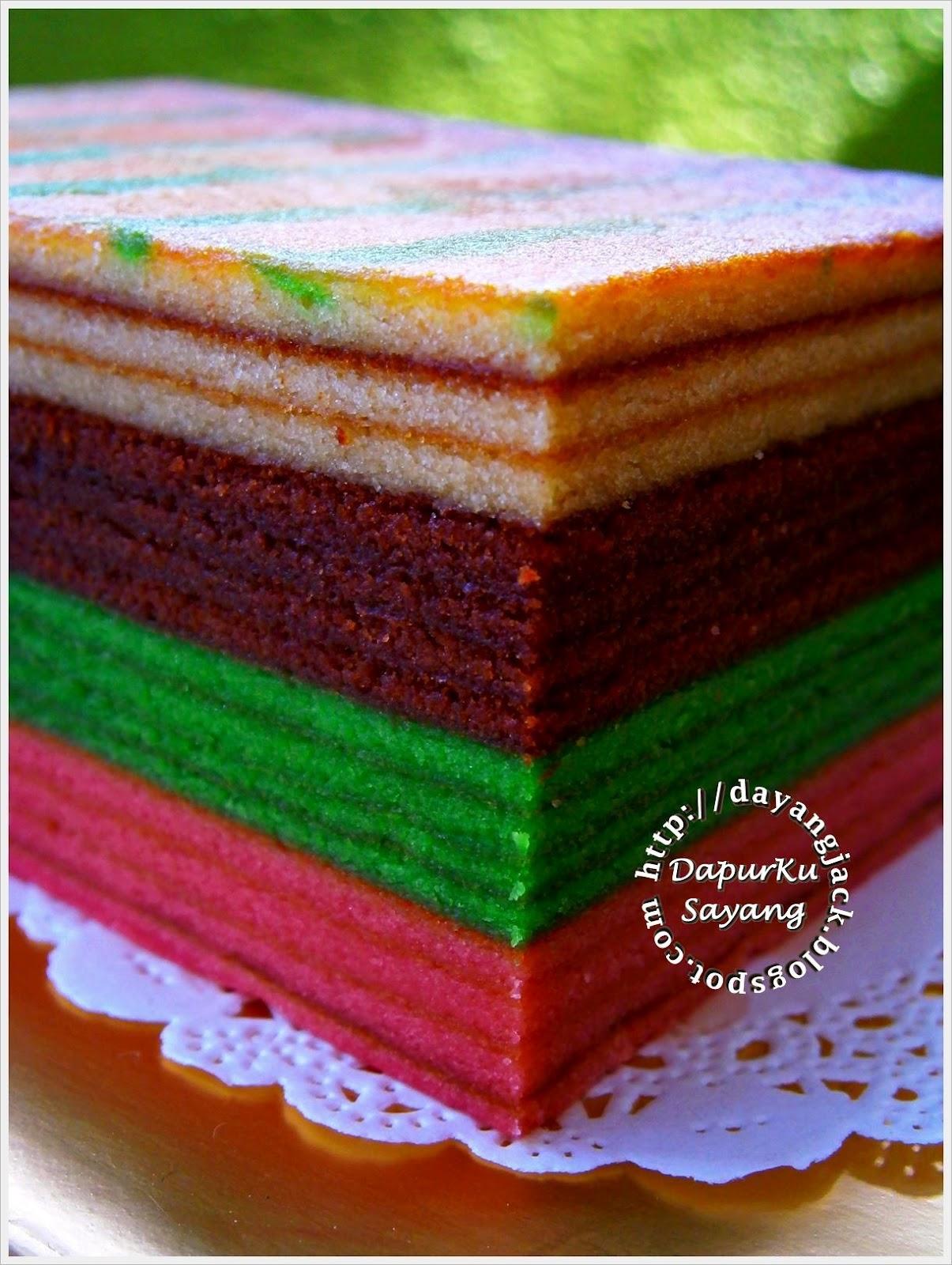 Sekiranya berminat, bolehlah cuba2 melapis kek sendiri di rumah. Kek