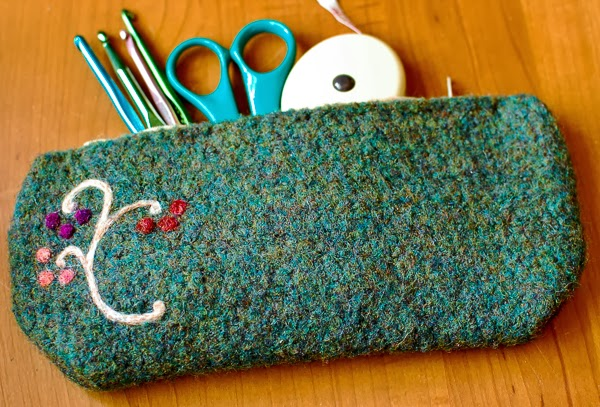 free crochet pattern felted pencil case