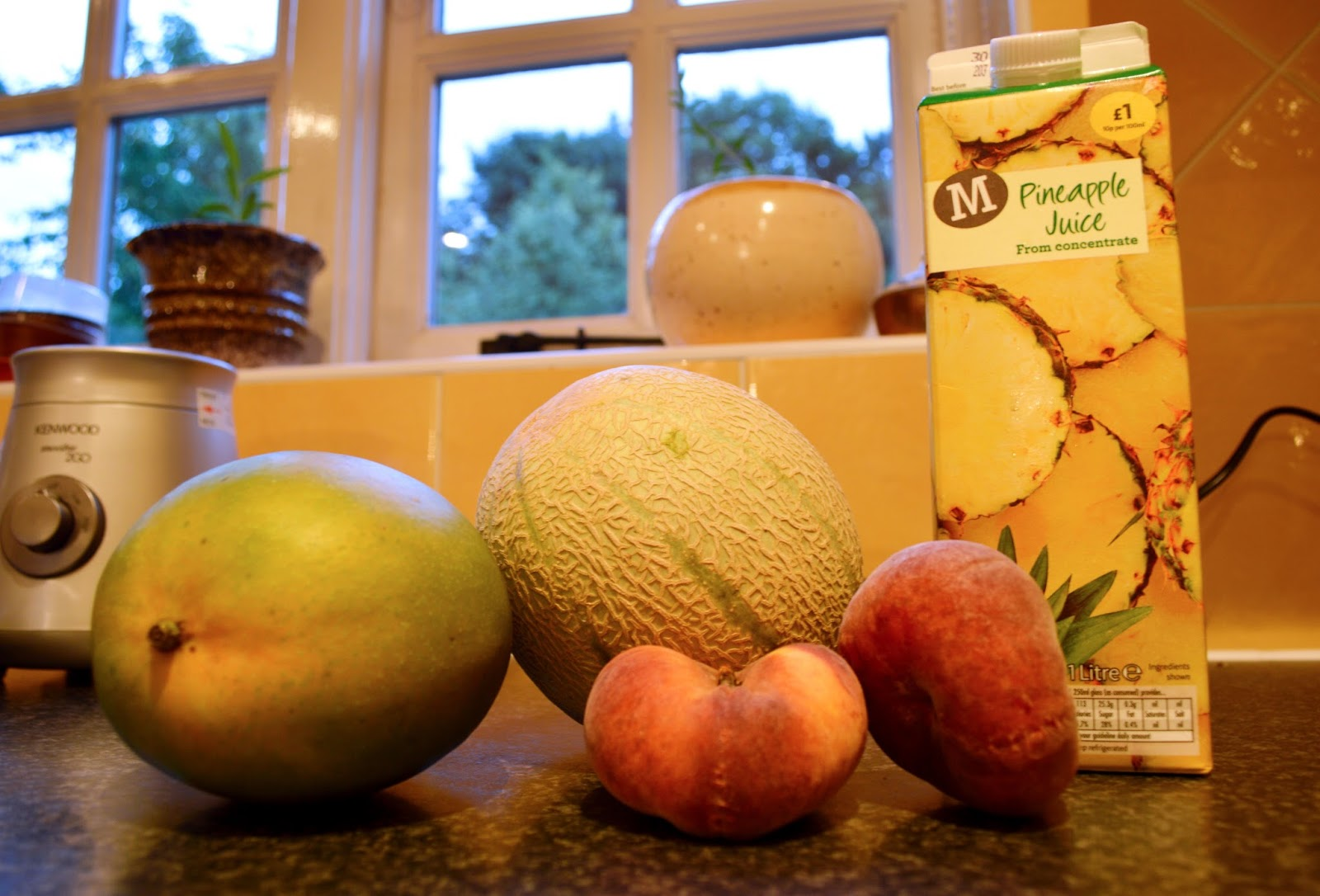 HelsYeah: peach, mango & melon smoothie!