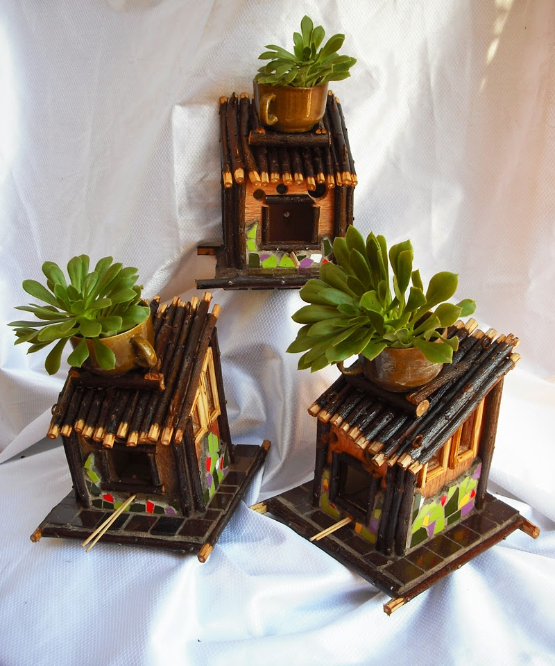 Joan seriny otras casitas para p jaros decoradas en - Casitas para pajaros jardin ...