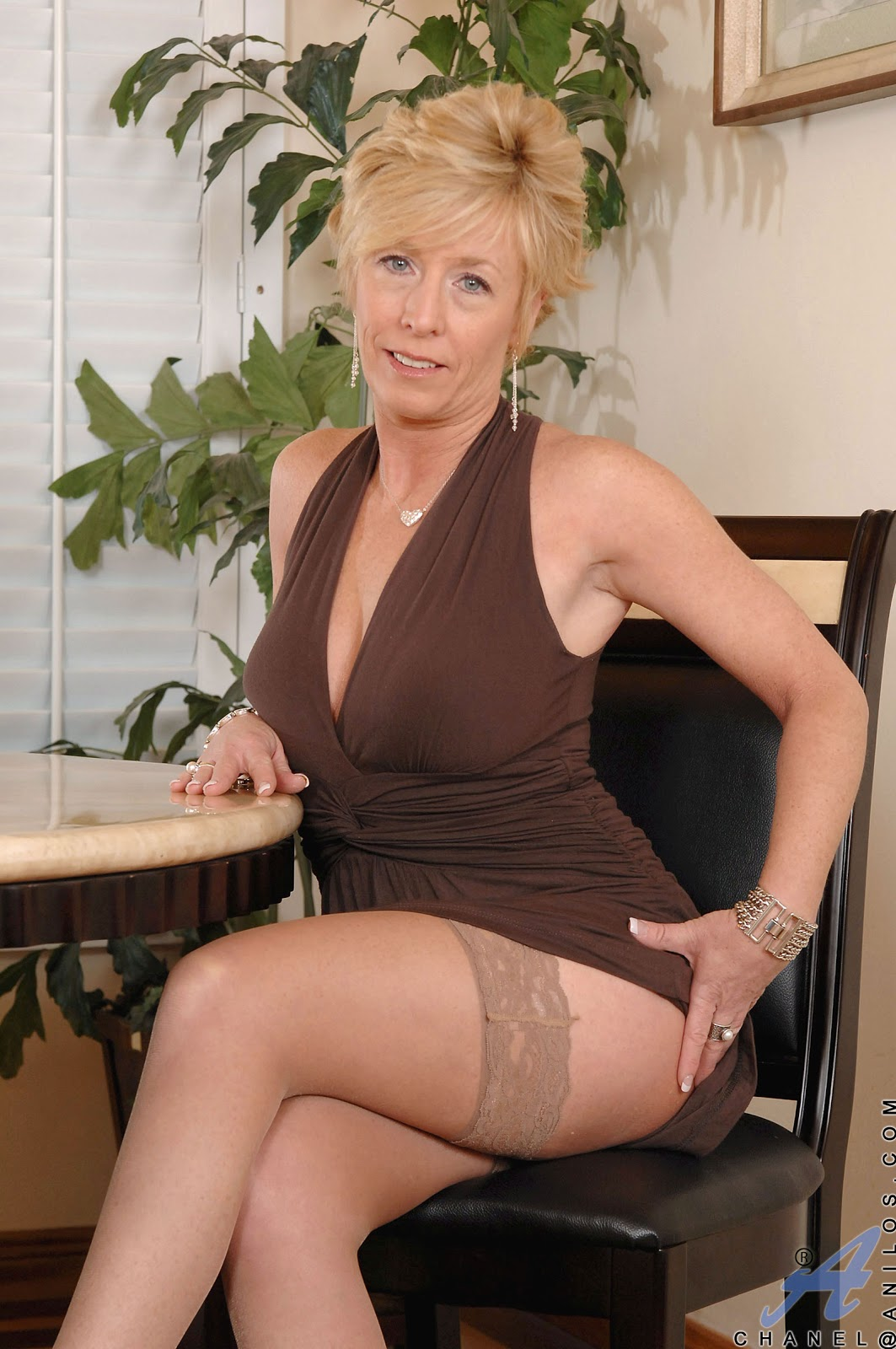 Amateur cuckold interac