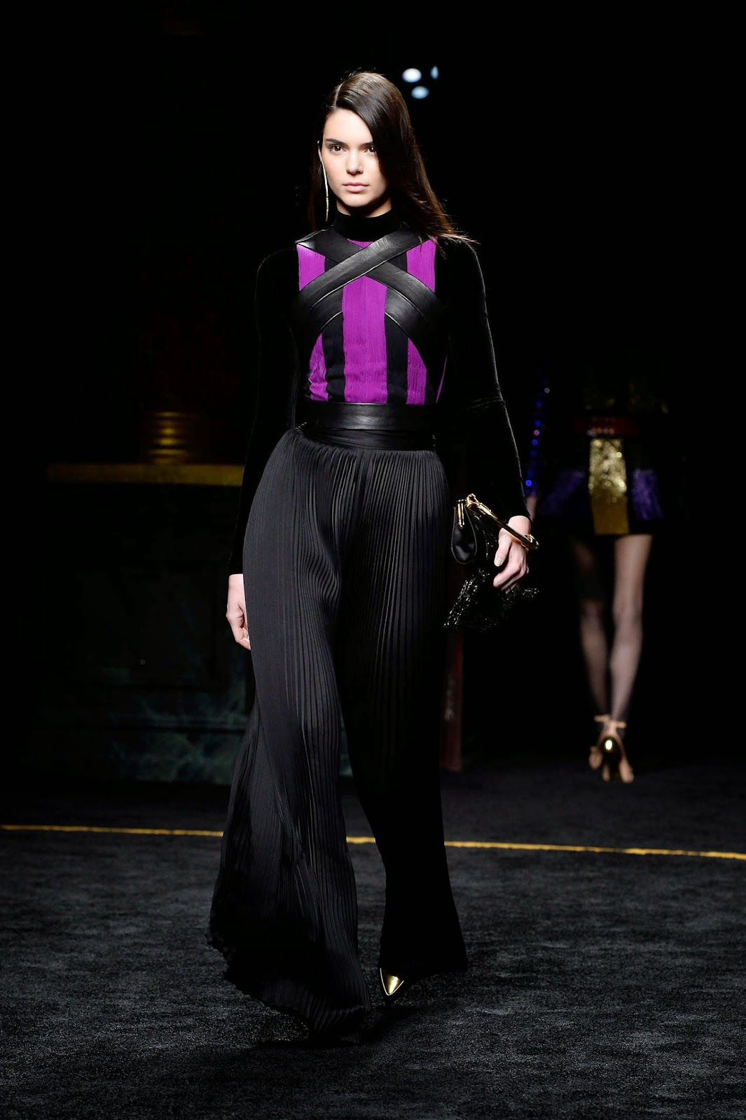 Kendall Jenner is stunning on the Balmain Fall/Winter 2015 Paris Fashion Week Runway