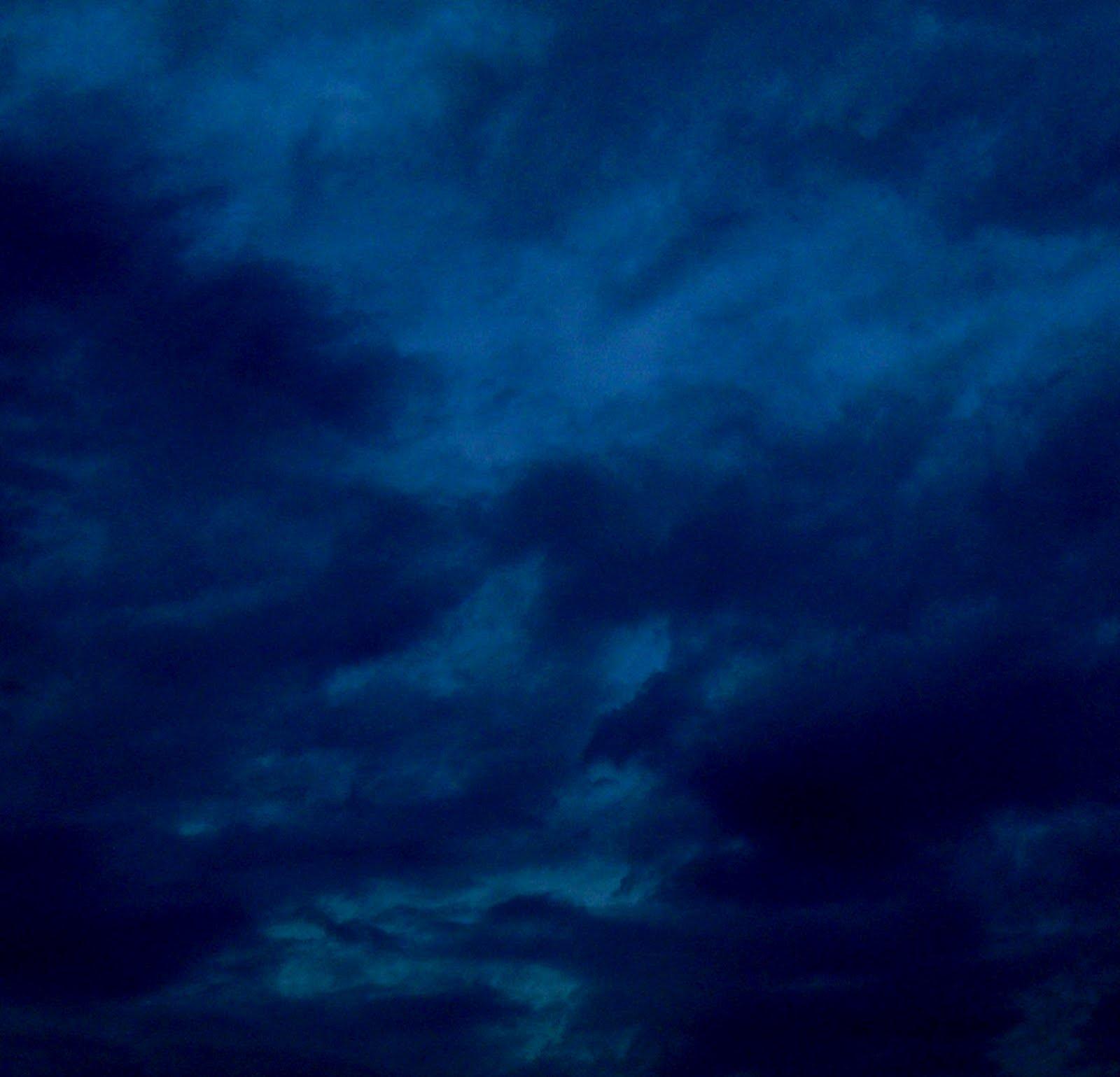 http://2.bp.blogspot.com/-jVkLKdA-7b4/T5IlCNX117I/AAAAAAAAHr0/piB6Jk1nvzo/s1600/a-piece-of-sky-NTL-2012.jpg