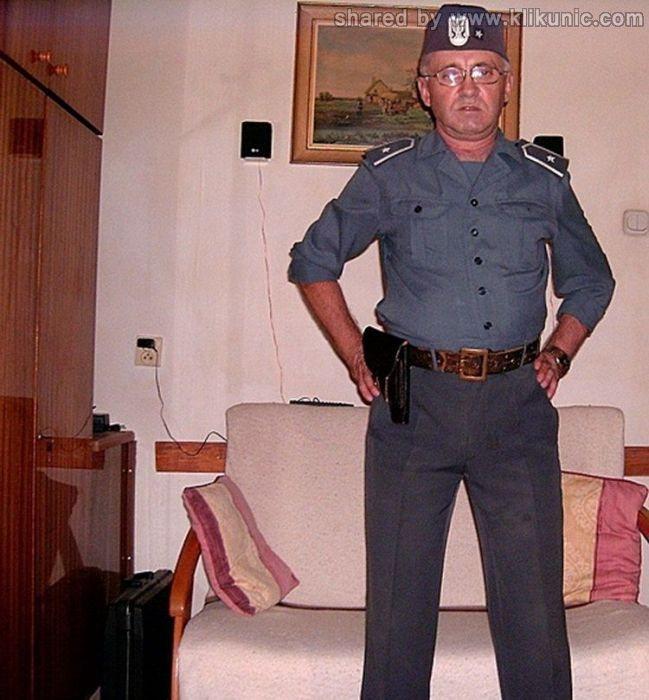 http://2.bp.blogspot.com/-jW_ZdGRzWkU/TXiUgiSN1DI/AAAAAAAAQoo/QEZdYq4DgPc/s1600/army_04.jpg