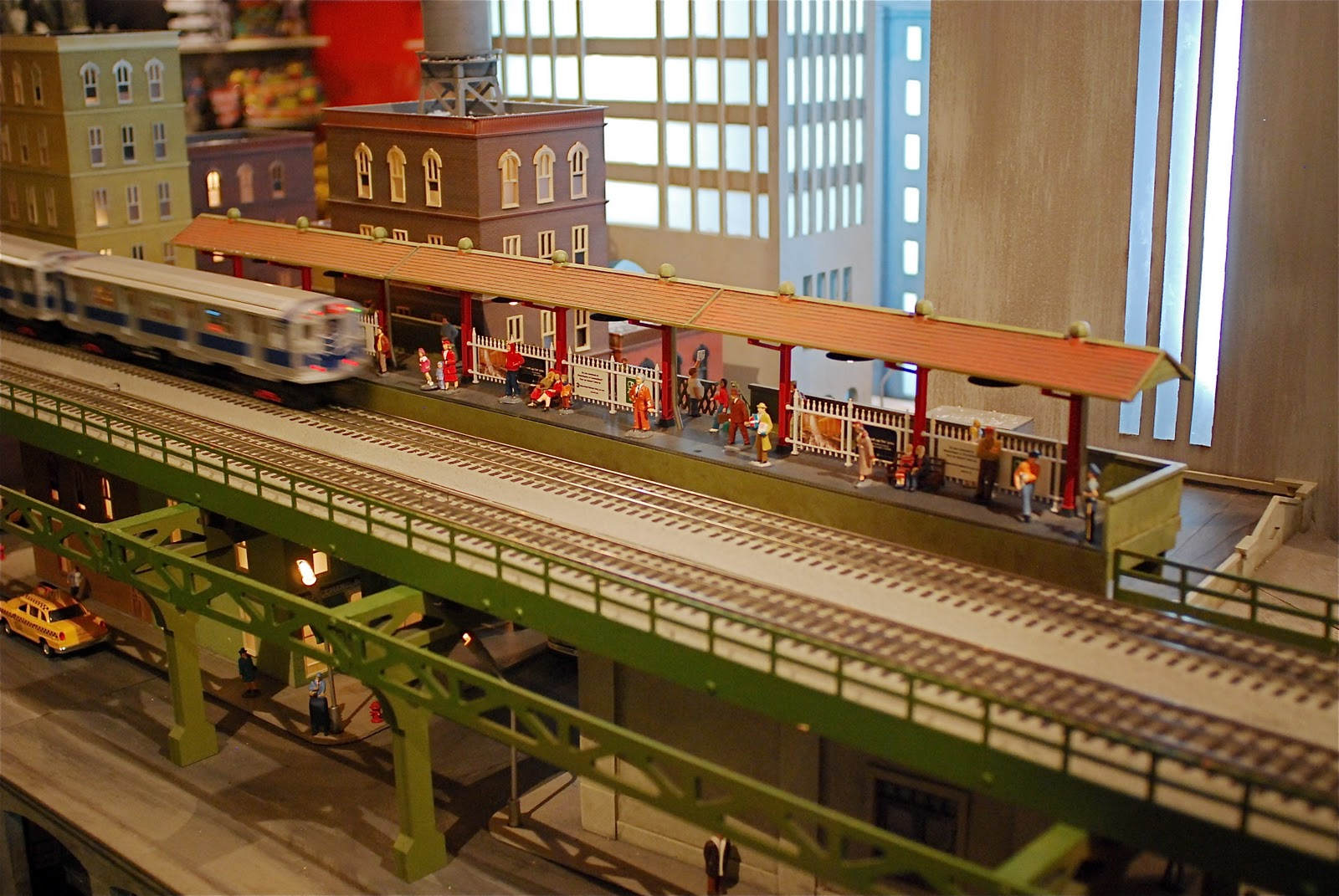 Nyc nyc holiday train show at the new york transit for Nyc transit museum hours