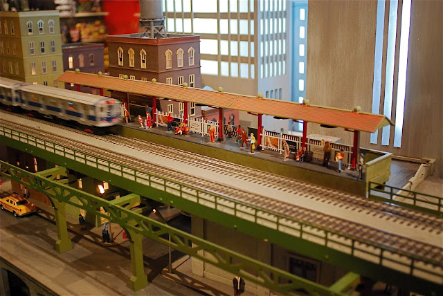 Nyc nyc holiday train show at the new york transit for Ny transit museum store