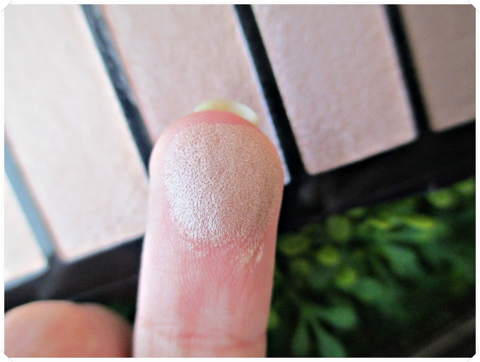 Nude Essentials, la paleta básica de ISADORA {Review + Swatches + Maquillaje}