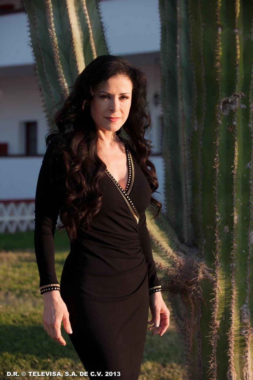 atriz lourdes munguia estampa uma edicao da revista playboy