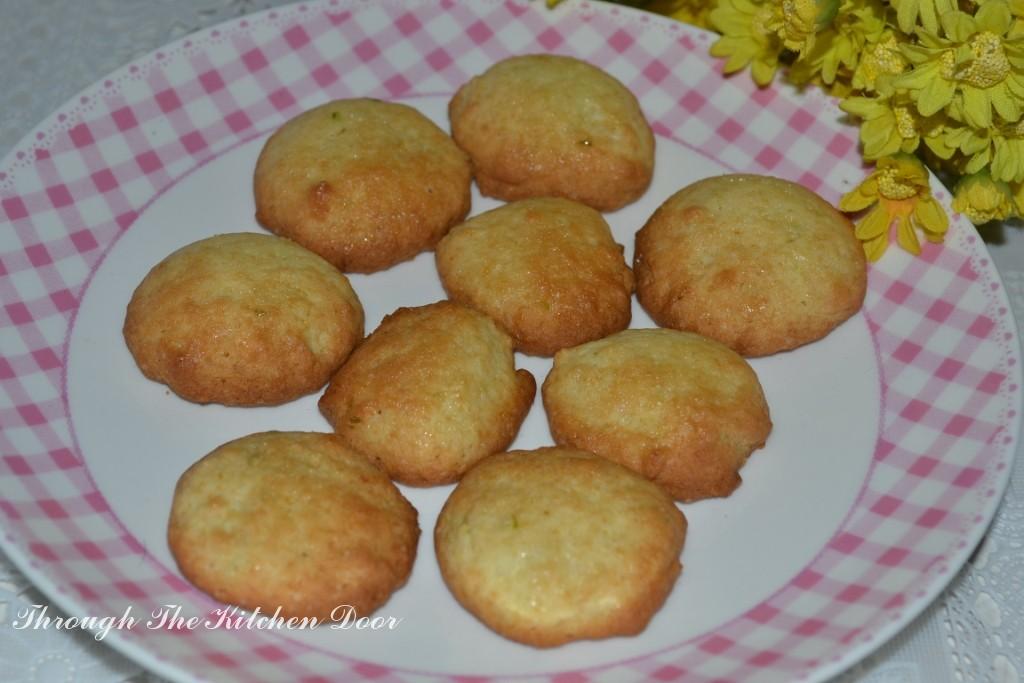 Through The Kitchen Door: Spring Lime Tea Cookies