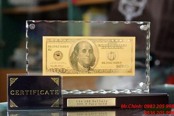 mặt trước tờ tiền 100 usd bằng vàng