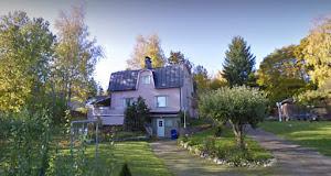 Vanhan vaaleanpunaisen talon tarinoita