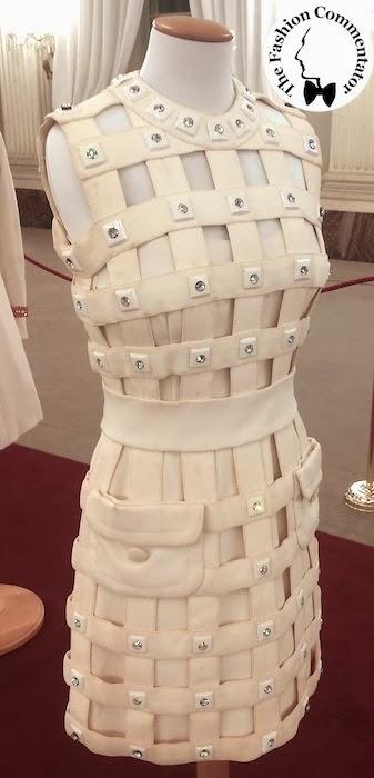 30 anni Galleria del Costume - Abito a gabbia in cadi di seta, Pierre Cardin, 1967/69, dono Banca di Cambiano