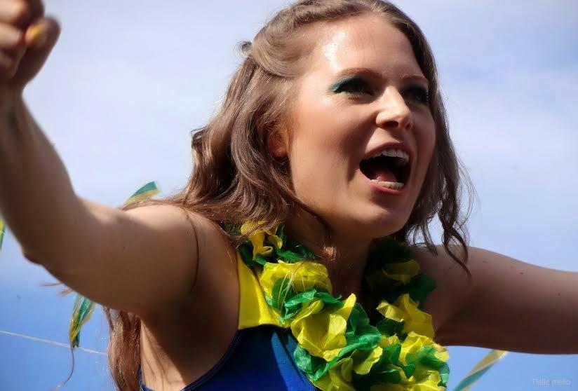Cantora Holandesa grava clipe dedicado  à Copa