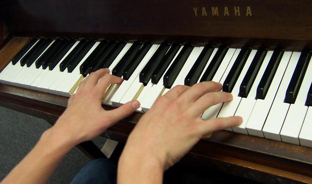 Piano dan Trik Cara Belajar Piano dengan Mudah