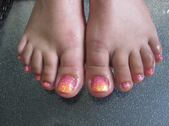 Nails & Toes: Gel Toes