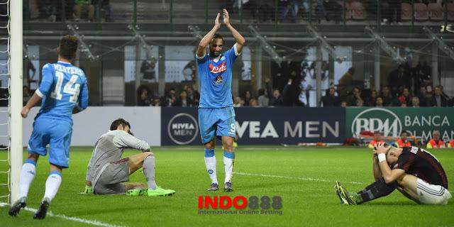 Napoli Merayakan kemenangan usai Melalap AC milan 0-4 - Indo888News