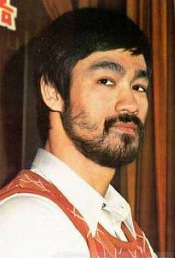 Lee defeated three-time champion British boxer Gary Elms by way of    Bruce Lee Quotes On Practice