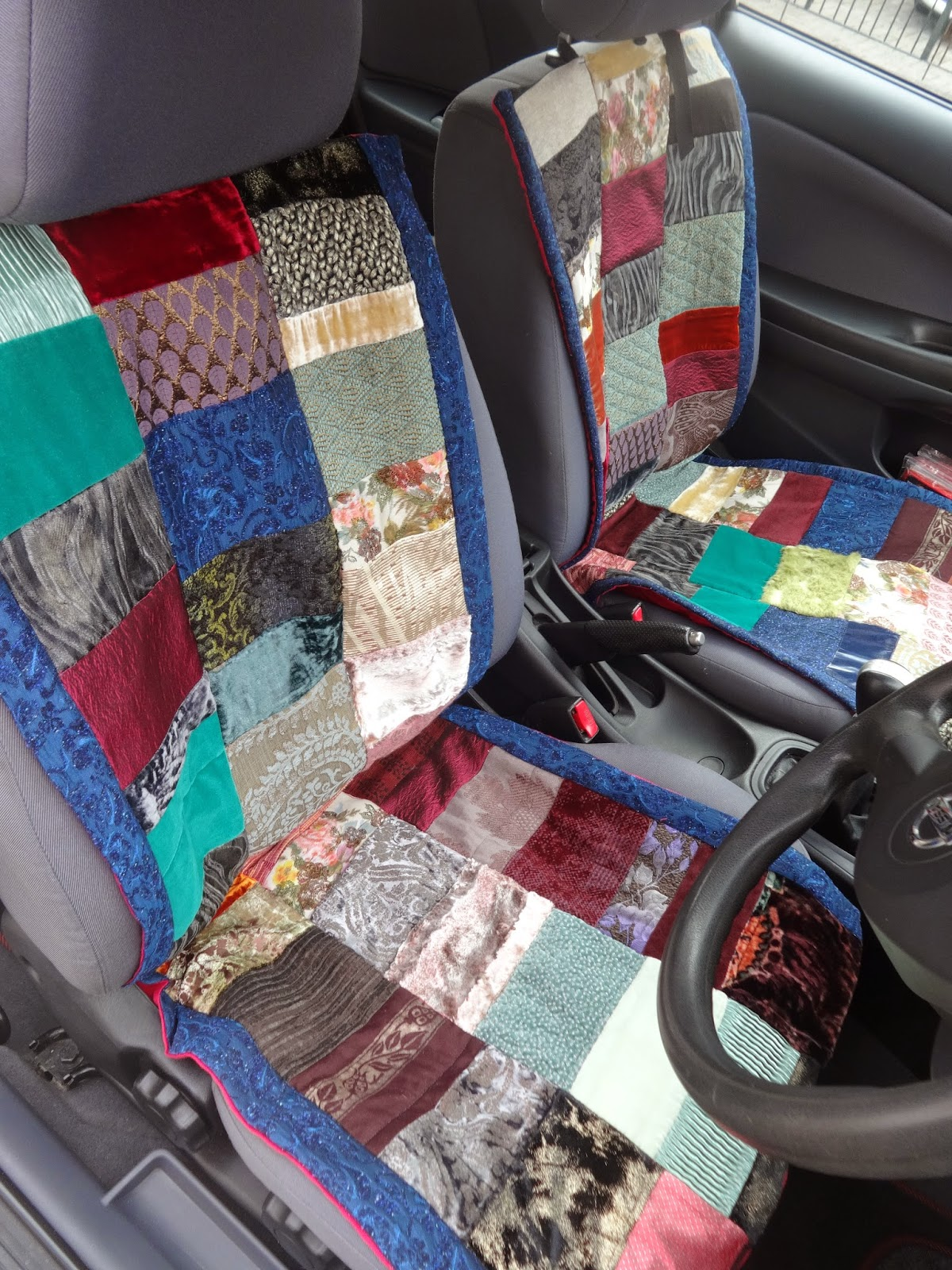 colour and cloth crafting colourful game of thrones car seats out of left over fabrics. Black Bedroom Furniture Sets. Home Design Ideas