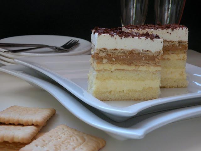 Ciasto z masą krówkową i krakersami