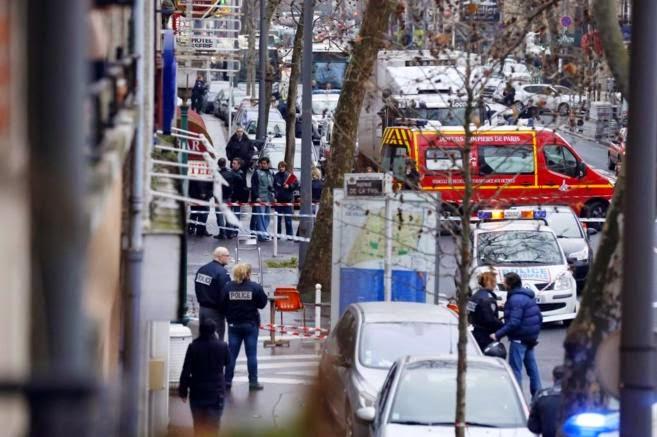 Asesinada Policía Municipal, París