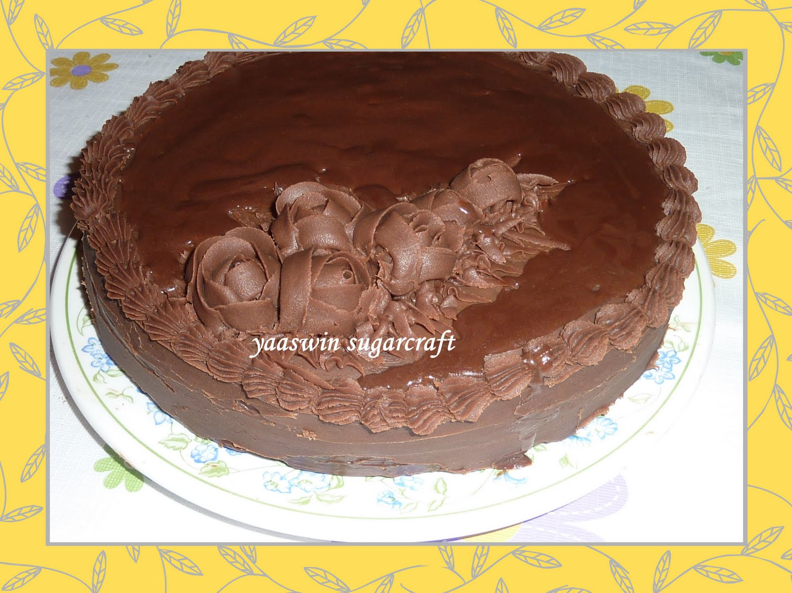 Yaaswin Sugarcraft & Cakes: Moist Chocolate Ganache Cake