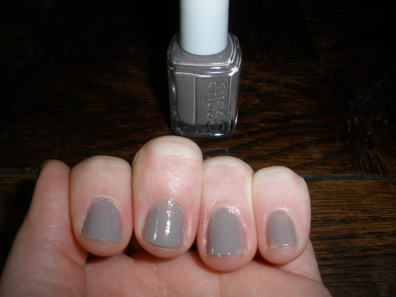 Sarah Jane\'s Potions and Poultices: NOTD: Essie Nail Polish Miss ...