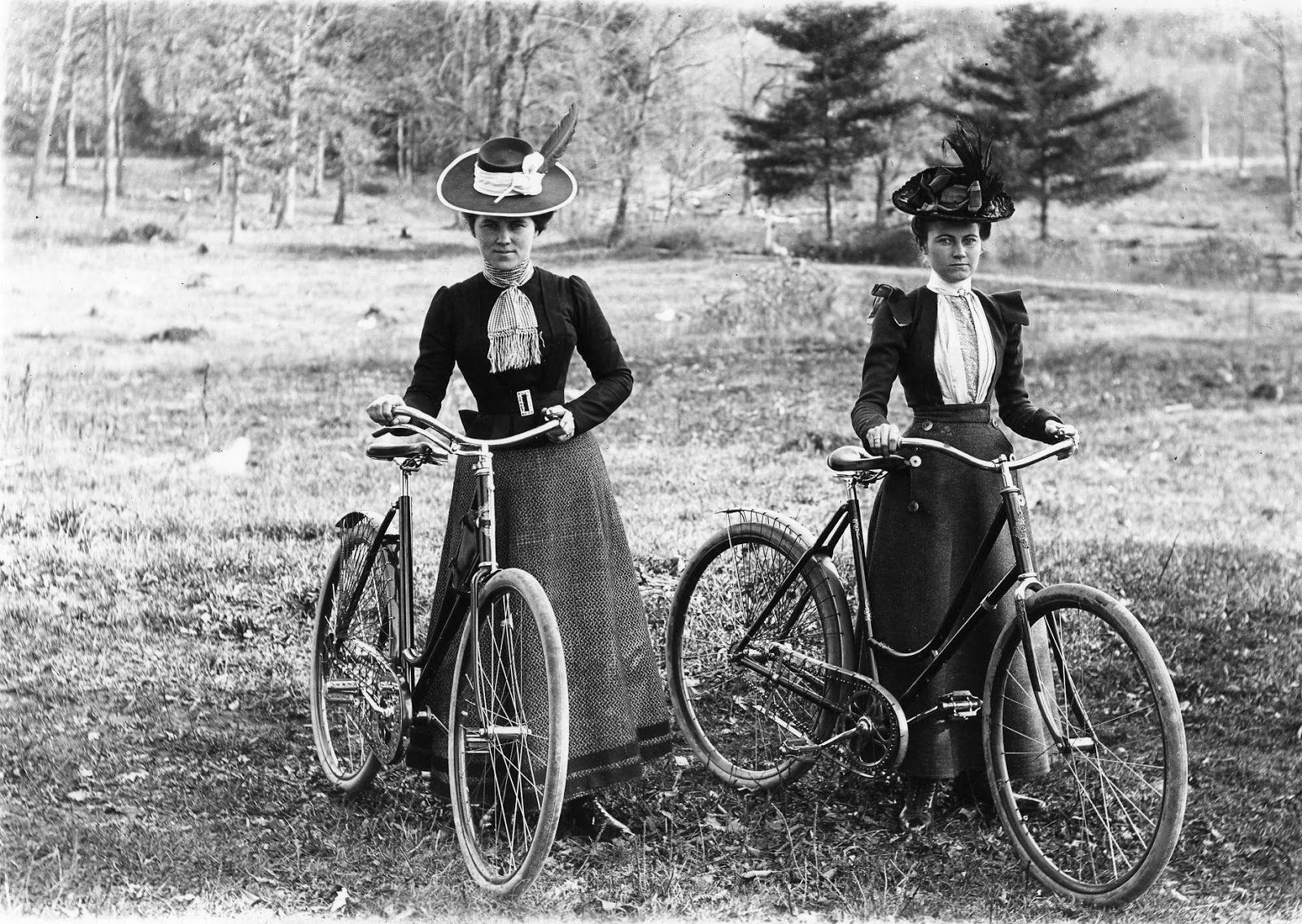 Singer 'safety' bicycle, 1890. at Science and Society Picture Library
