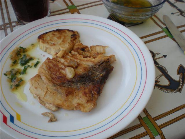 Elrincondeatalaya2 filetes de pez espada con salsa molinera for Cocinar pez espada