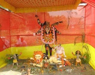 মুন্সীগঞ্জের সিরাজদিখানে কালী মন্দিরের প্রতিমা ভাঙচুর