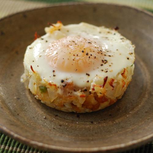 Baked Eggs Napoleon, tater tot, Ore-Ida