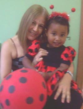 Sophia e a titia Simone