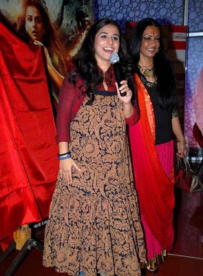 vidya balan at kahaani painting launch photo gallery