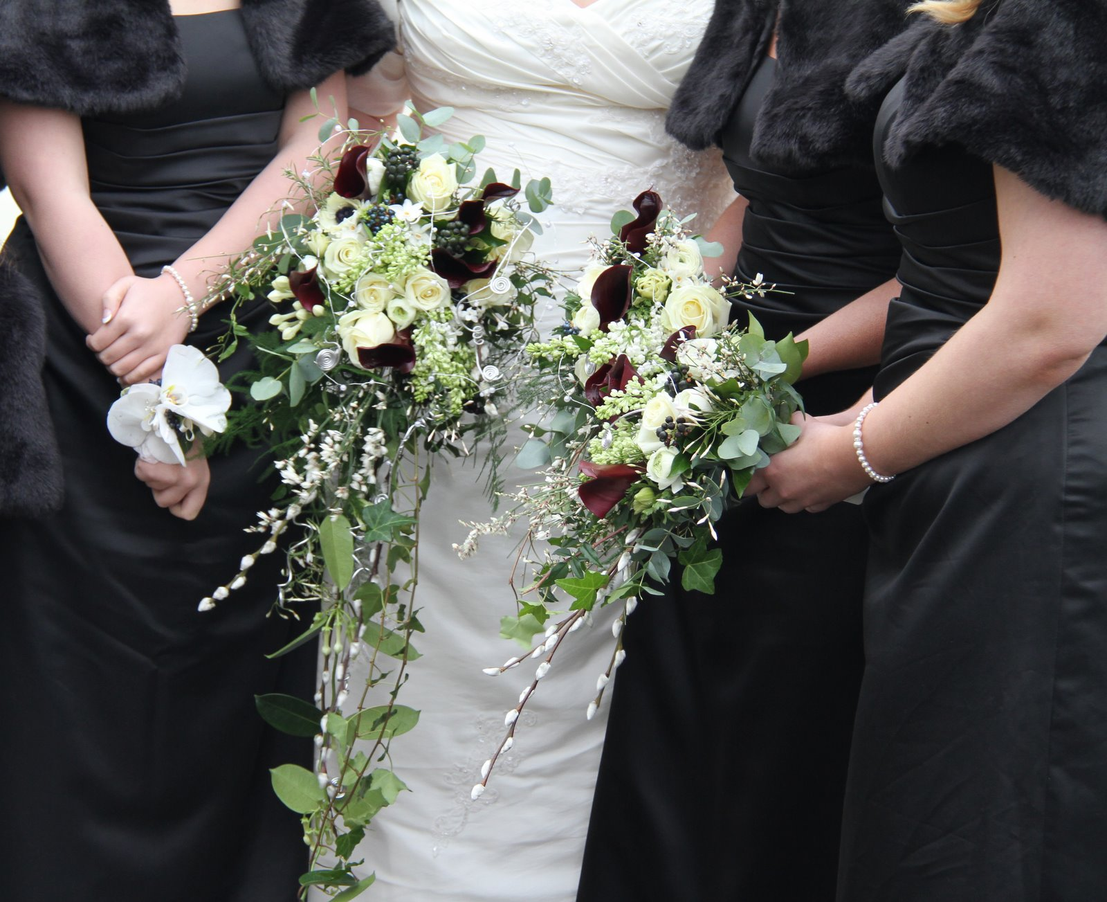 Flower Design Beautiful Bridesmaid S Bouquets Black And
