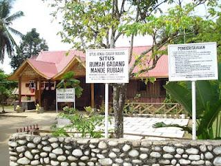 Rumah Gadang Mandeh Rubiah pusat yang sakral bagi Masyarakat Lunang