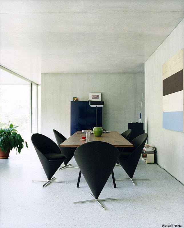 retiro mobiliario verner panton. Black Bedroom Furniture Sets. Home Design Ideas