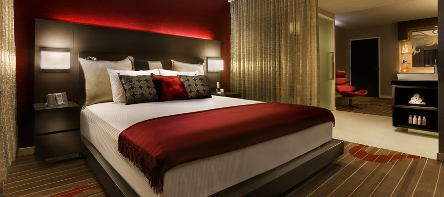 make your bedroom design is similar to hotel bedrooms home design
