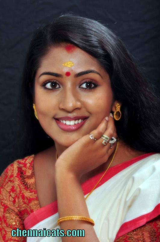 eXBii Glamour http://hawaiidermatology.com/saree/saree-from-exbii ...