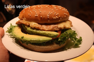 http://lizasmatverden.blogspot.no/2012/03/kyllingburger.html