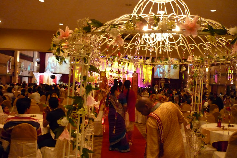 Life as an ordinary malaysian attending kaminis indian wedding decorative archway into hall junglespirit Choice Image