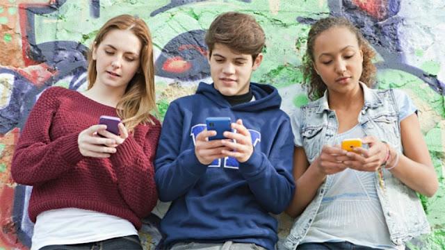 Estudio dice sólo 6% de los jóvenes llama por su smartphone