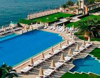 çırağan-oteli-havuz-fotoğraflı-havuzlu-en-lüks-otel
