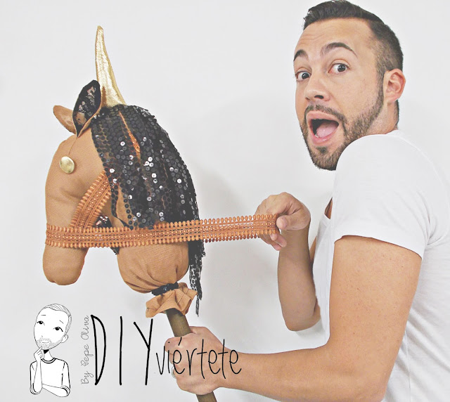 DIY-BLOGERSANDO-Do It Yourself-manualidades-caballo-caballito de palo-caballo de trapo-costura-pasatiempos-juegos-entretenimiento-niños-3