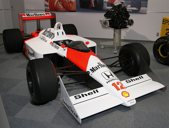 1988 McLaren MP4/4 The McLaren chassis, 1988 McLaren MP4/4 Powered by the new Honda engines with 650 PS (478 kW;641 bhp), Ayrton Senna signed to partner Alain Prost to drive The 1988 McLaren MP4/4
